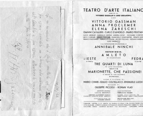 Foto sezione teatro Sergio Fantoni: 1952 Amleto di W. Shakespeare. Regia L. Squarzina. Con V. Gasmann, Elena Zareschi, Anna Proclemer, Mario Feliciani, Luigi Vannucchi. 1952.