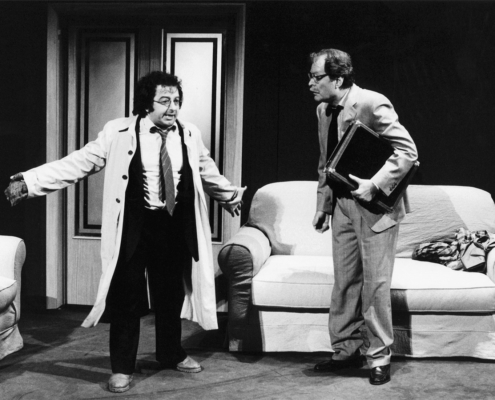 1988. Purchè tutto resti in famiglia di Alan Aikbourne. Regia di Franco Però.