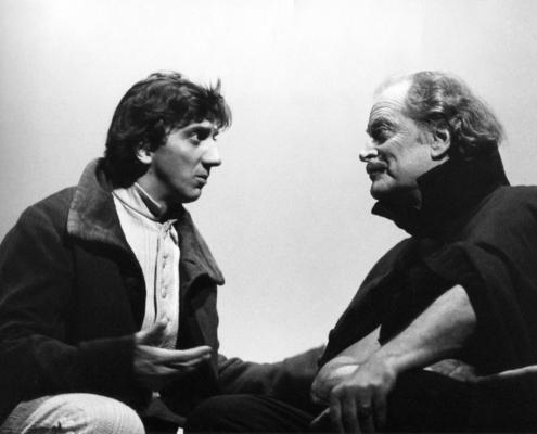 La scuola delle mogli di Moliere. Regia di Cristina Pezzoli. Con Sara Bertelà, Tommaso Ragno, Francesco Migliaccio, Maria Ariis. 1995.